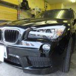 BMW X1 2015年に日焼け防止はもちろん!夏場のジリジリ感や冬場の保温性を防ぐカーフィルム「ウインコス」を施工しました。
